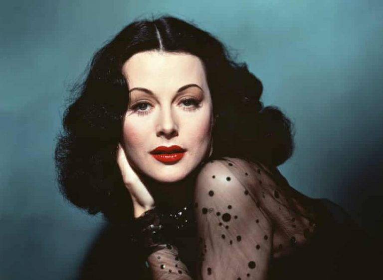Meet Hedy Lamarr – A Beautiful Actress with an Intelligent Mind